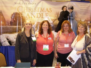 Pachyderm Officers Linda Van de Riet and Linda Schroder visiting the ladies at Rick Santorum's booth.